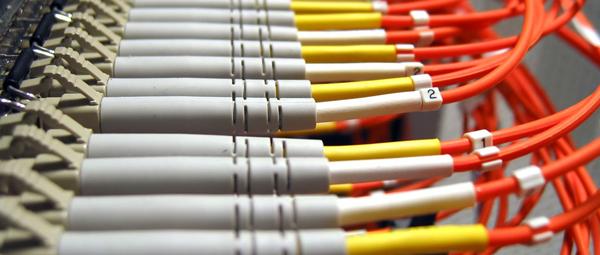 Fast Networks - Connessioni in Fibra Ottica - Servizi di telecomunicazioni, connettività internet e telefonia (fonia) per le aziende